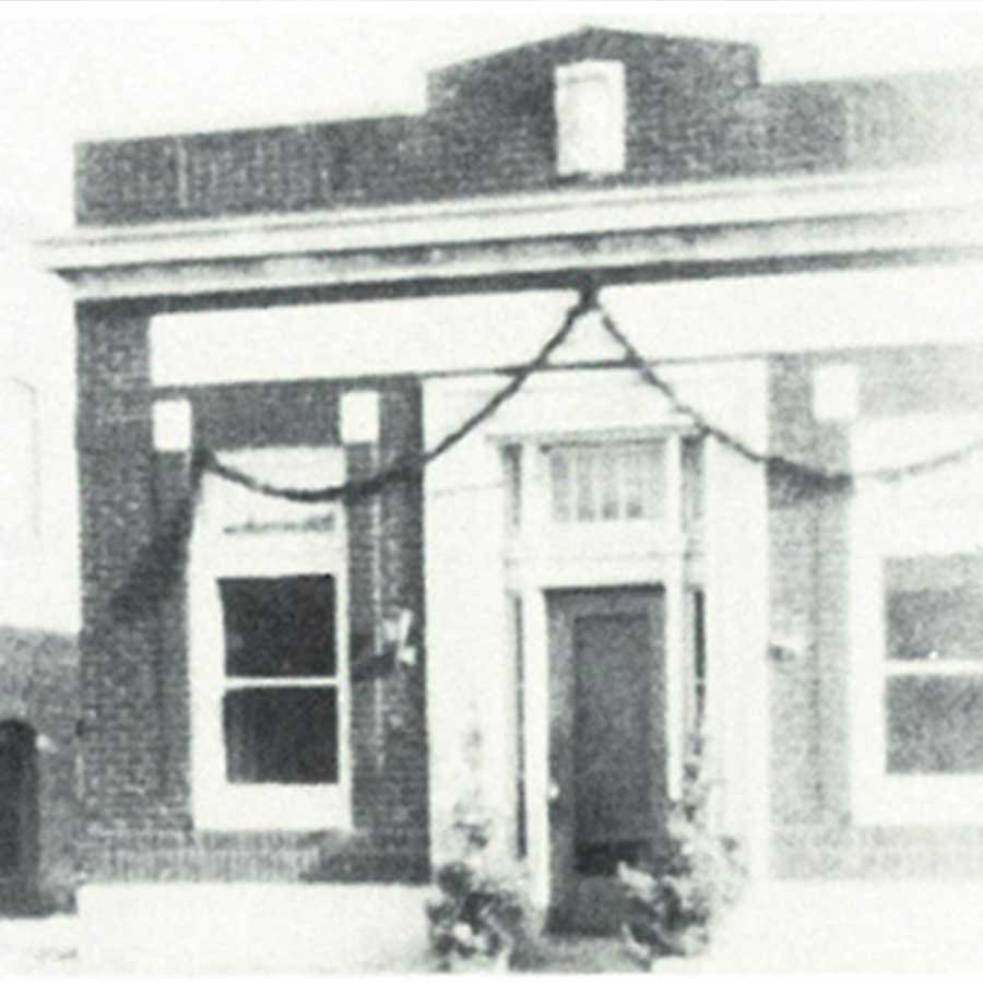 Square Image Lake Central Bank History Annandale State Bank 1920 1933